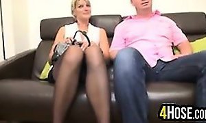 Mature Woman In A Threesome