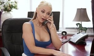 Sarah vandella cheats with her stepson - pretty dirty