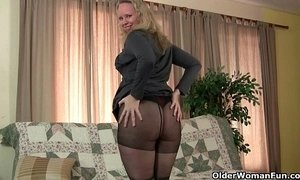 Milfs Sable and Catherine get juiced up in new pantyhose