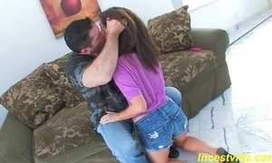 Bad daddy banged his cute daughter