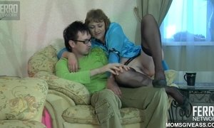 Old Plumper With Pale Wrinkle Bottom Gets Sodomized By Nerdy Stud